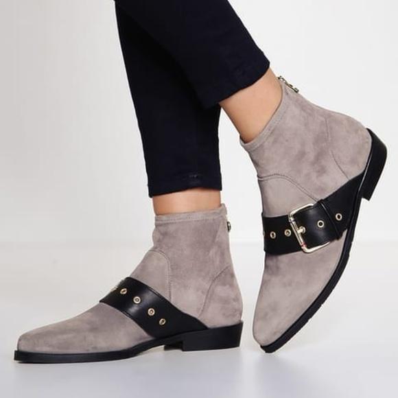 67c237cc2963b6 Tommy Hilfiger GIGI HADID Grey Ankle Flat Boots